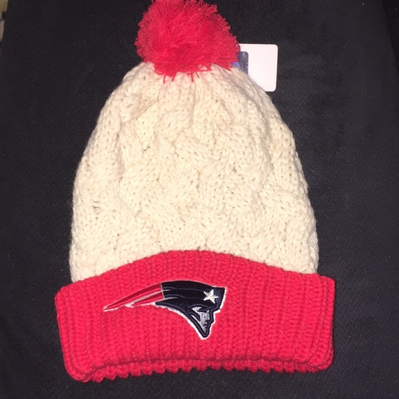 NFL Apparel Team Headgear Patriots Knit Beanie. M 5a57e1543b160886e100063e 0672490affc